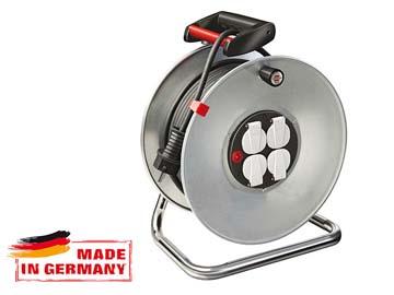 Удлинитель на катушке 25м (4 роз., 3.3кВт, метал. катушка, с/з) Brennenstuhl Garant (3, 3кВт, 3х1, 5мм2, степень защиты: IP20), Германия