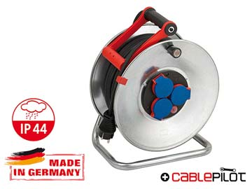 Удлинитель на катушке 50м (3 роз., 3.3кВт, метал. катушка, резин. кабель, с/з) Brennenstuhl Garant (3, 3кВт, 3х1, 5мм2, степень защиты: IP44), Германия 1198530